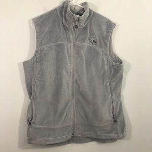Mountain hard wear fleece vest